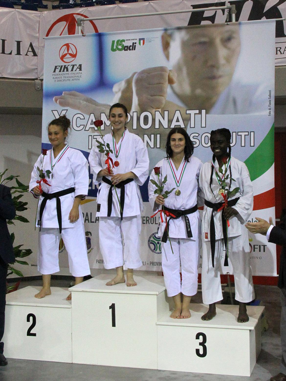 budokan karate vera guida podio kata